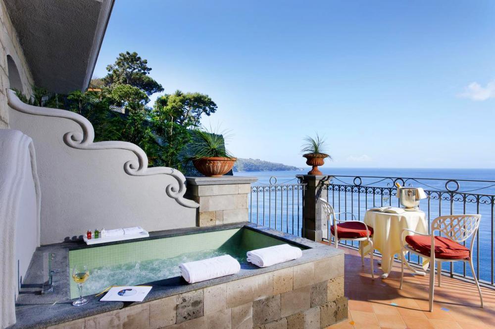 Hotel with private pool - Grand Hotel Ambasciatori
