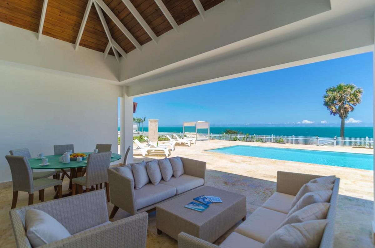 Hotel with private pool - Ocean Village Deluxe Resort & Spa