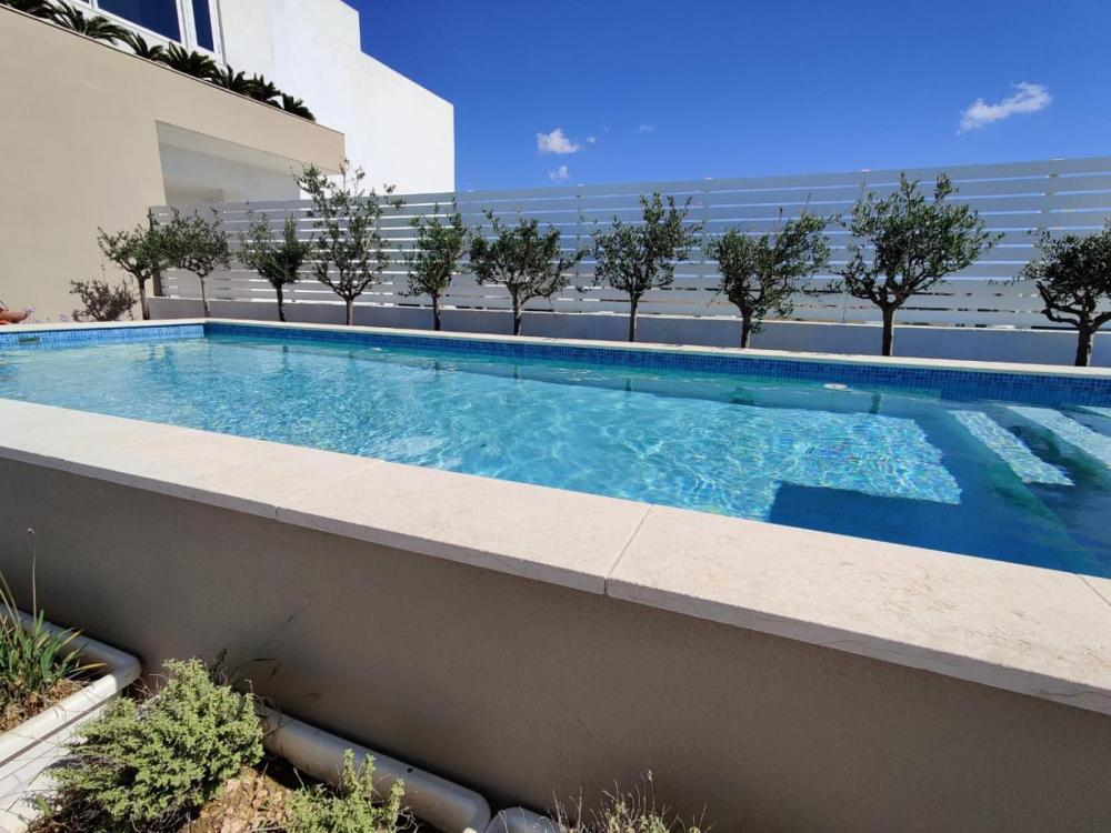 Hotel with private pool - Salini Resort