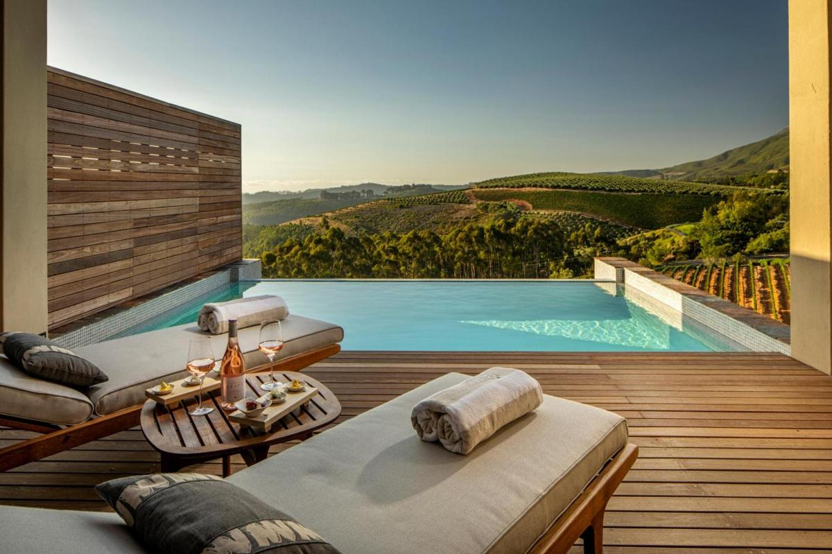 Hotel with private pool - Delaire Graff Lodges and Spa