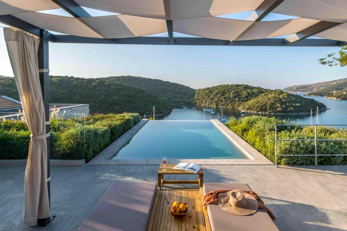 Hotel with private pool - Domotel Agios Nikolaos Suites Resort