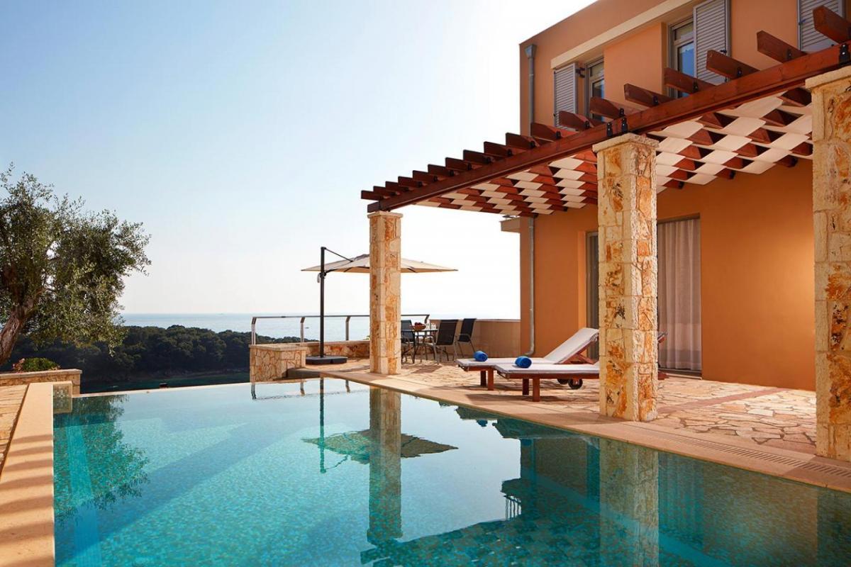 Hotel with private pool - Sivota Seascape