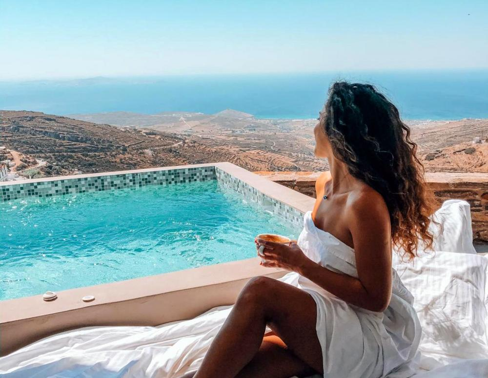 Hotel with private pool - Aeolis Tinos Suites