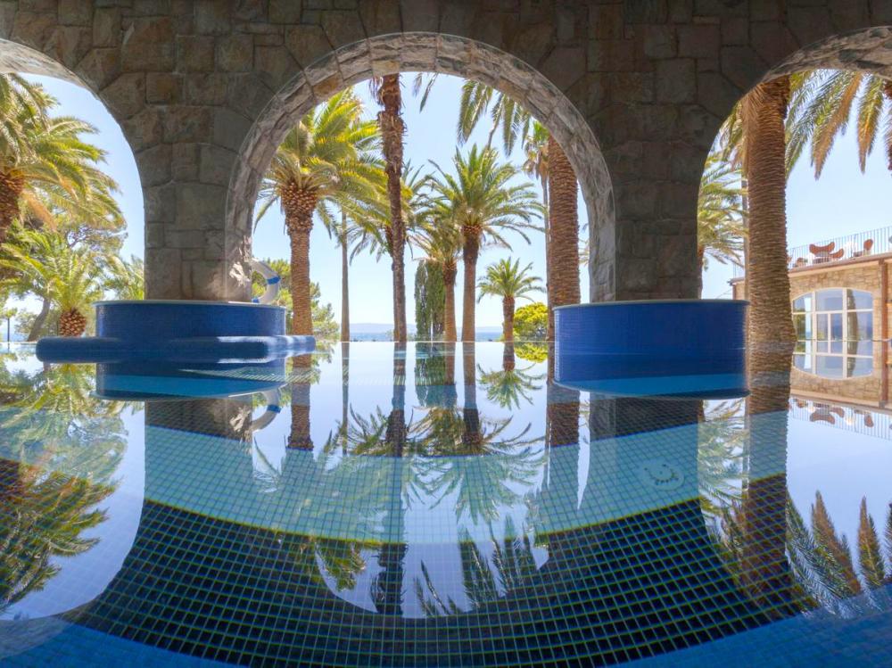 Hotel with private pool - TUI BLUE Jadran