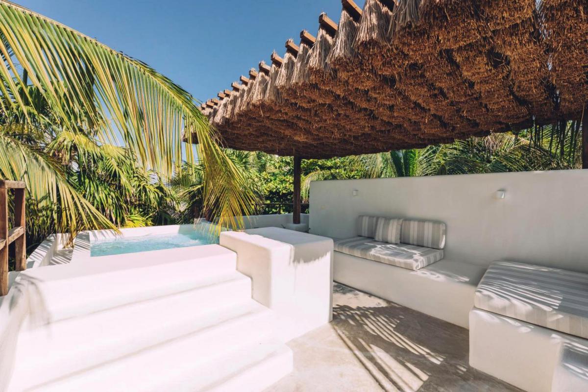 Hotel with private pool - Chiringuito Tulum