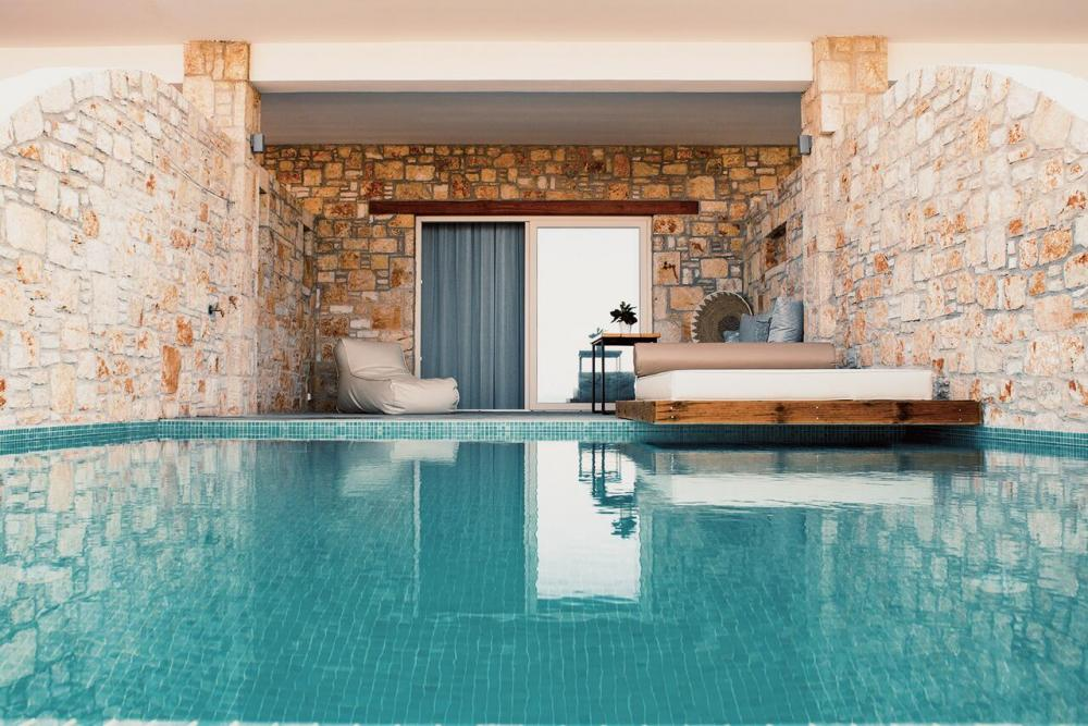 Hotel with private pool - Aliv stone suites & spa