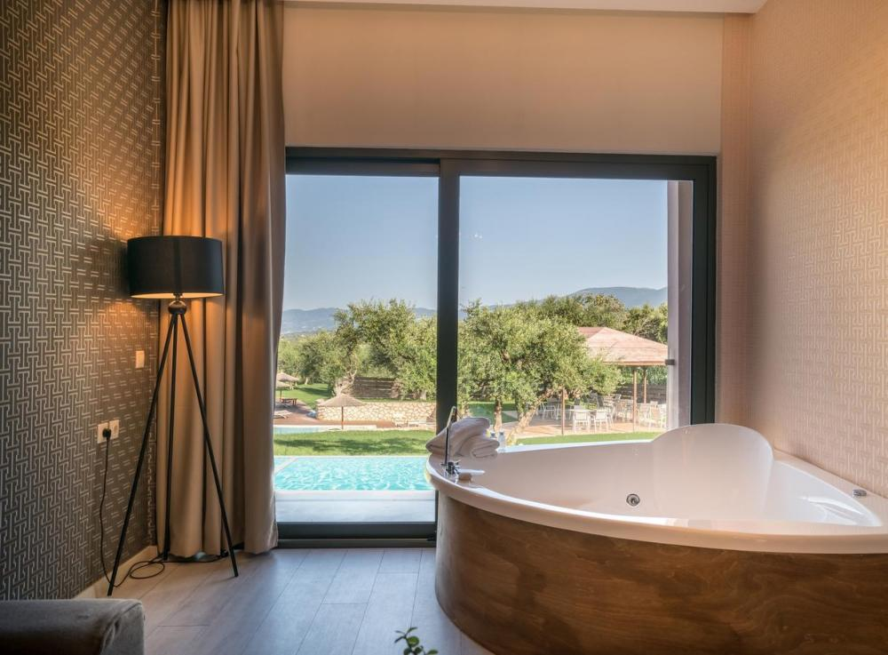 Hotel with private pool - Elegance Luxury Executive Suites - Adults Only