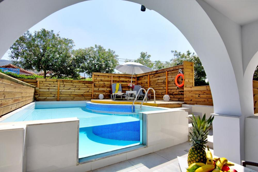Hotel with private pool - Klelia Beach Hotel