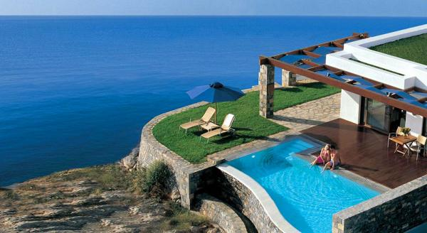 Hotel with private pool - Grand Resort Lagonissi