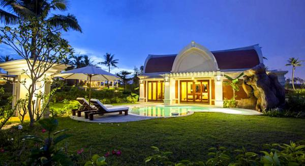 Hotel with private pool - Pulchra Resort Danang