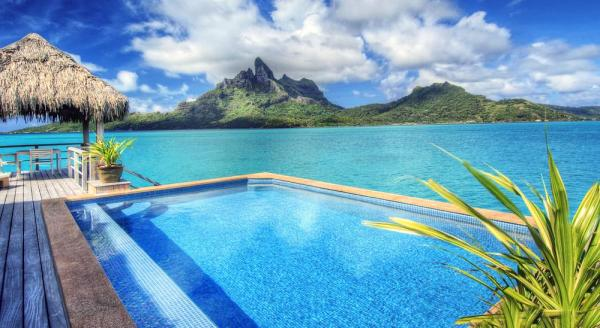 Hotel with private pool - The St Regis Bora Bora Resort