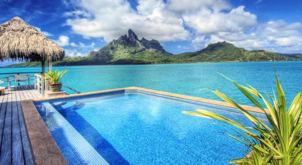 Hotel with private pool - The St Regis Bora Bora Resort