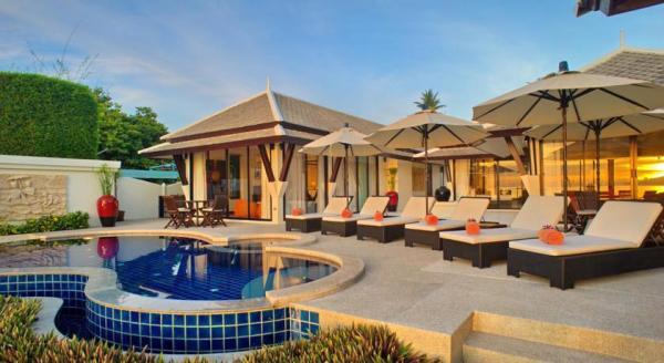 Hotel with private pool - POR de SOL Private Pool Villa