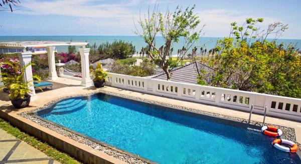 Hotel with private pool - Alma Oasis Long Hai