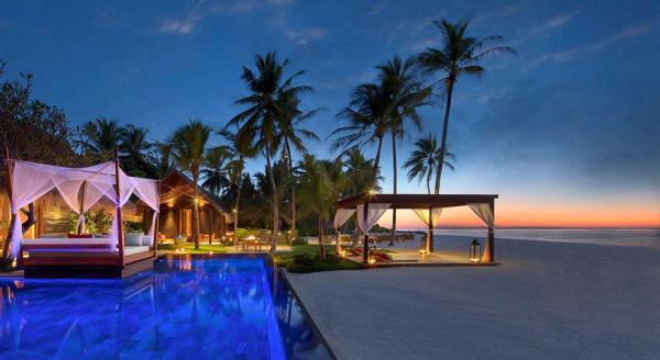 Hotel with private pool - One&Only Reethi Rah