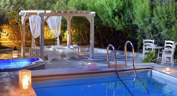 Hotel with private pool - Palladium Hotel