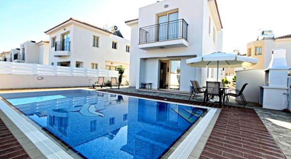 Hotel with private pool - Palm Village Villas