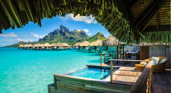Hotel with private pool - Four Seasons Resort Bora Bora