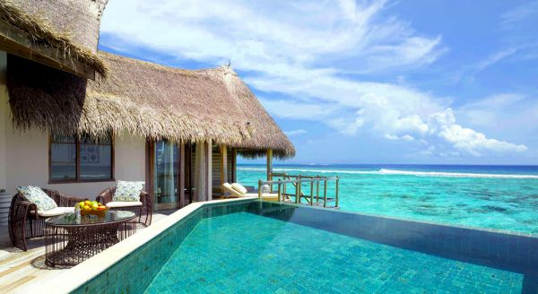 Hotel with private pool - Jumeirah Vittaveli