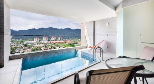 Hotel with private pool - Lexis Suites Penang