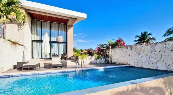 Hotel with private pool - Catalonia Royal Bavaro