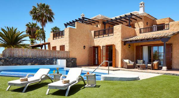 Hotel with private pool - Hotel Suite Villa María